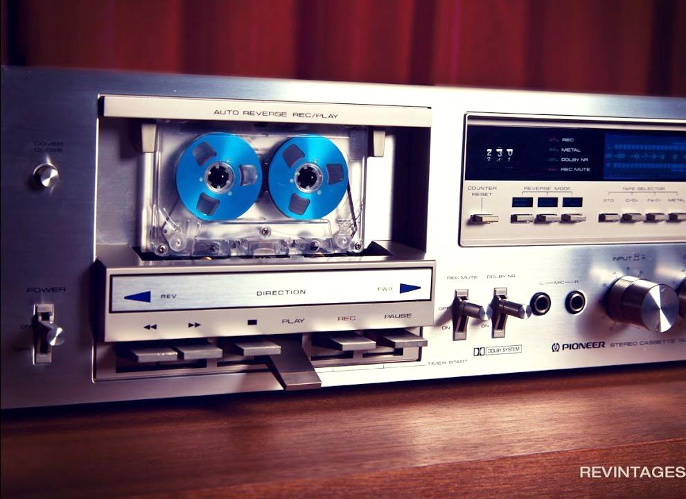 винтаж кассетный магнитофон
