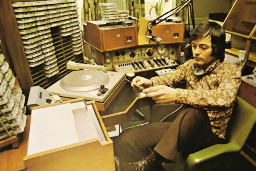 Диджей Фрэнсис Грассо первый кто в 1968 году сумел свести два трека